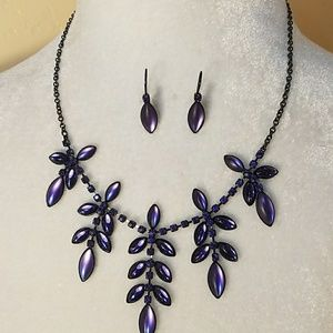 Gorgeous Purple Necklace and Earring Set